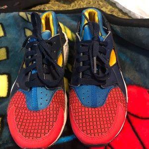 Nike Huarache Run Size 4